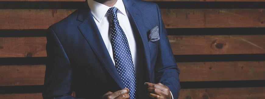 Idealnie dopasowany garnitur